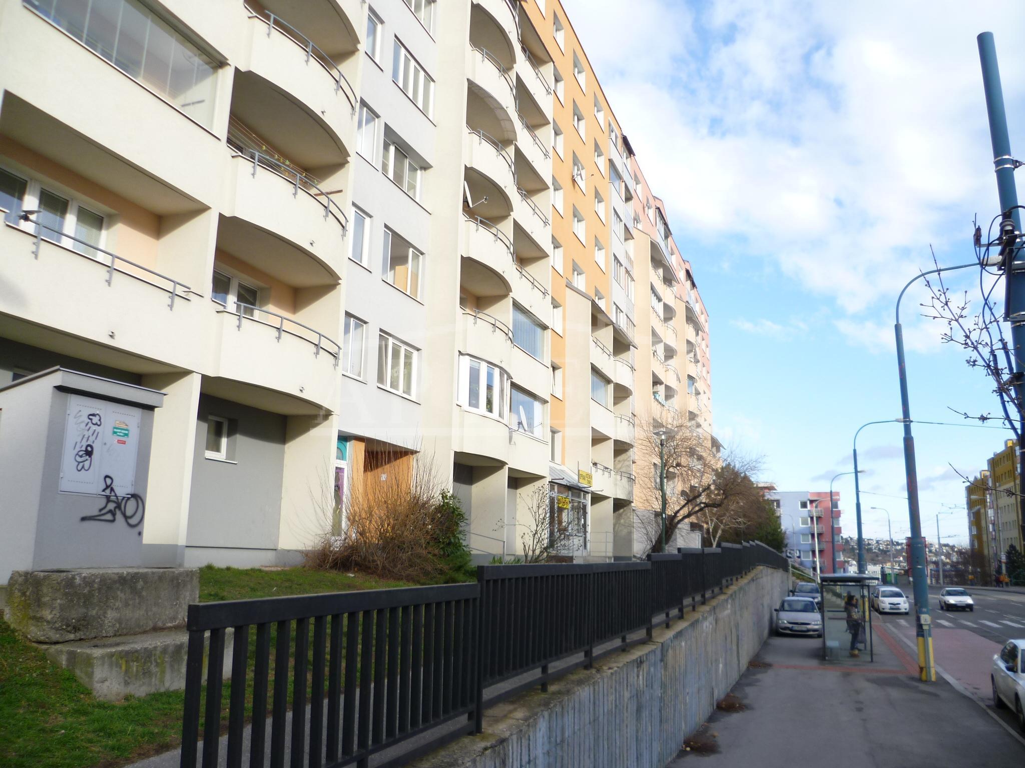 Nájom 3i zariadený byt, 63 m2, ul. Hany Meličkovej, Bratislava-Karlova Ves