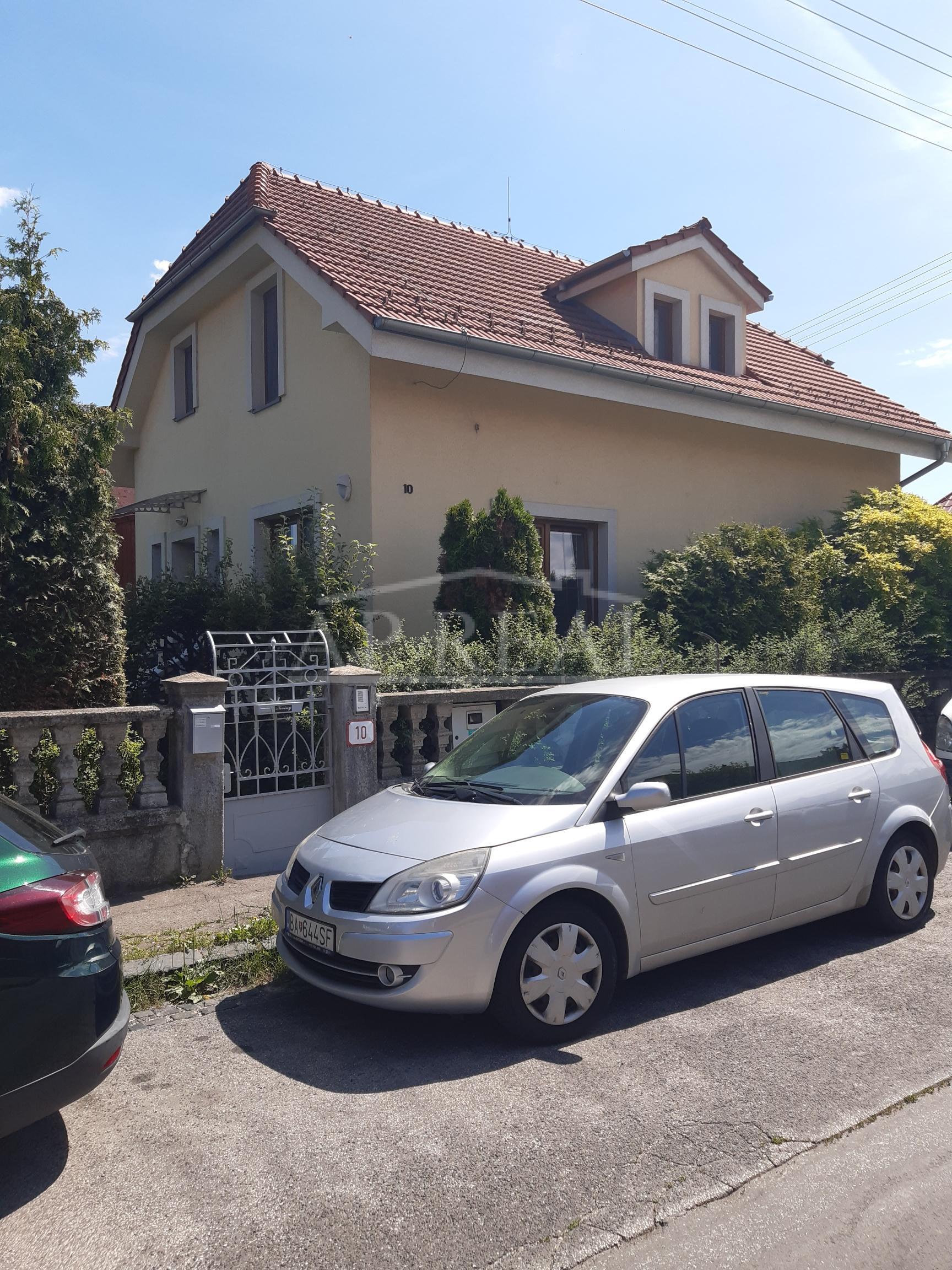 Nájom-5i rodinný dom Bratislava Ružinov-Edisonova ul.-Trnávka