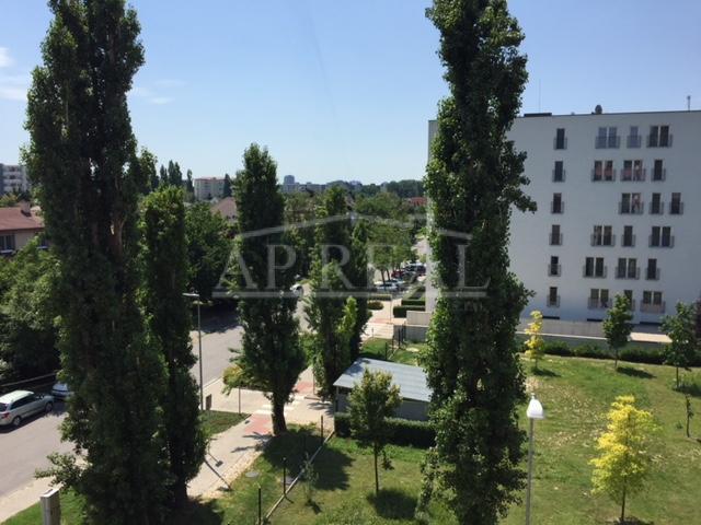 Nájom veľký, zariadený 2i. byt v novostavbe, ul. Na križovatkách- Bratislava-Ružinov, k.ú. Trnávka