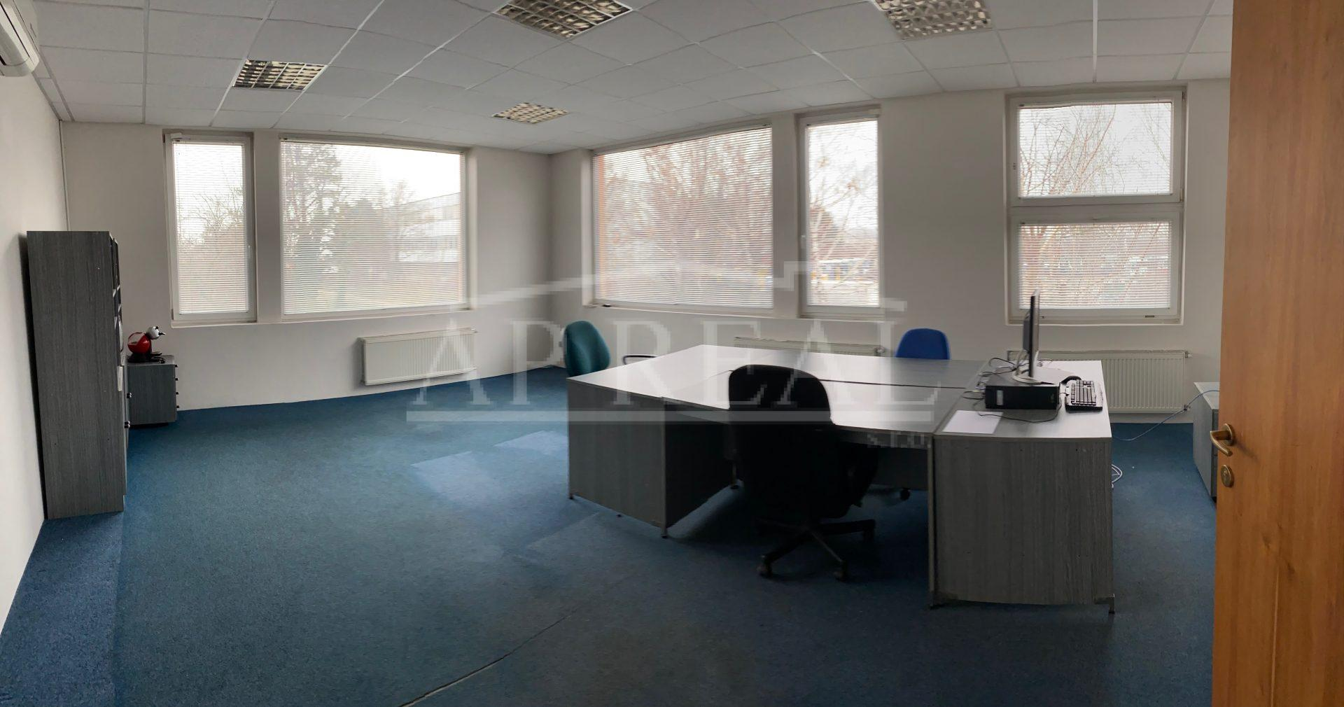 Kancelária 40m2 na prenájom s rokovacou miestnosťou a parkingom, Kaukazská ul.