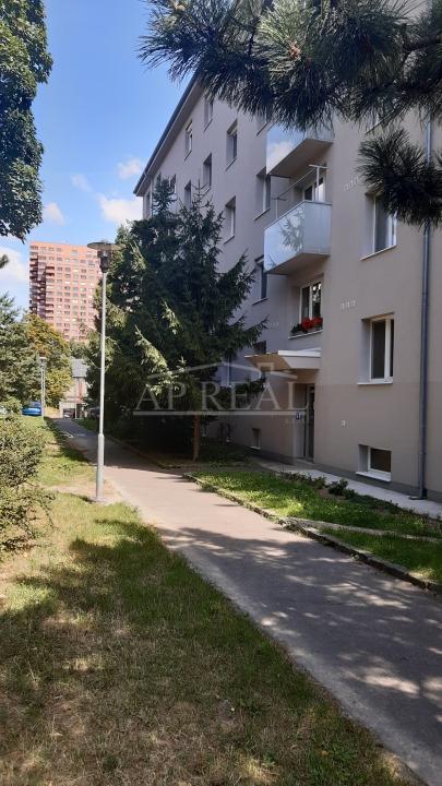Nájom 1i byt v tehlovom dome, Ovručská ul,. Bratislava-Nové Mesto